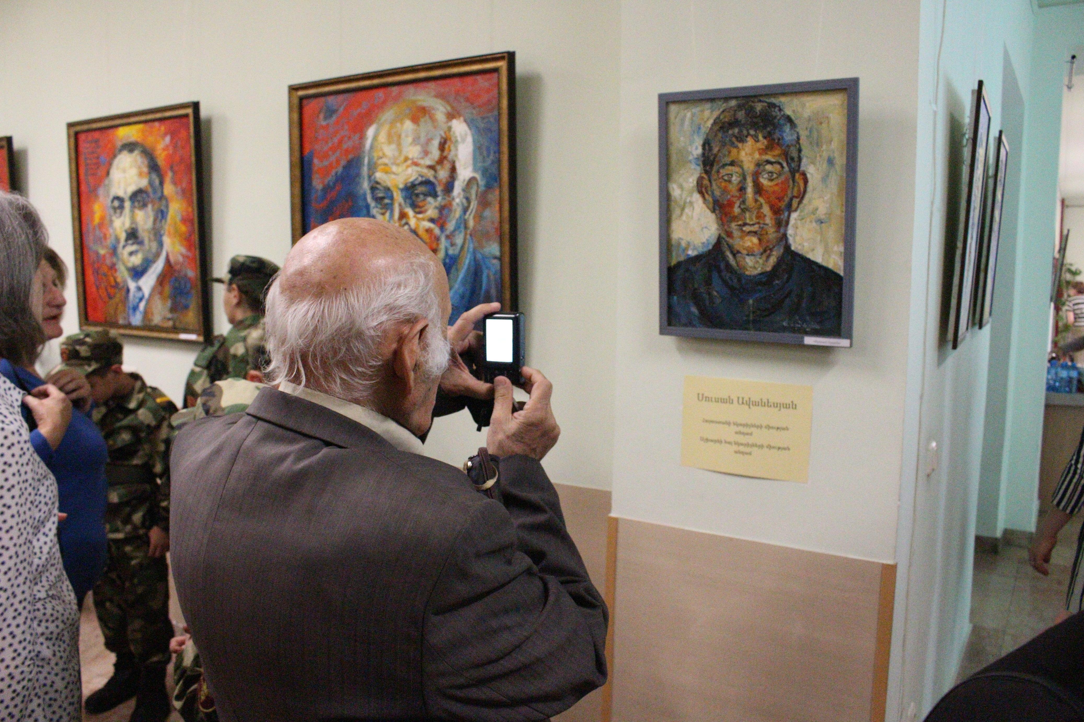 Հայաստանի բնության պետական թանգարանում տեղի ունեցավ ՀՀ անկախության տոնին նվիրված միջոցառում «Հերոսամարտ» խորագրով: